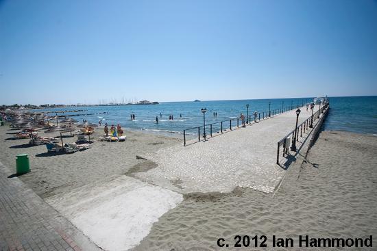 Elias Beach Hotel: Pier & Beach from the Blue Paradise