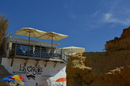 Aparthotel Oceanus: la cigale on the beach (don't go)