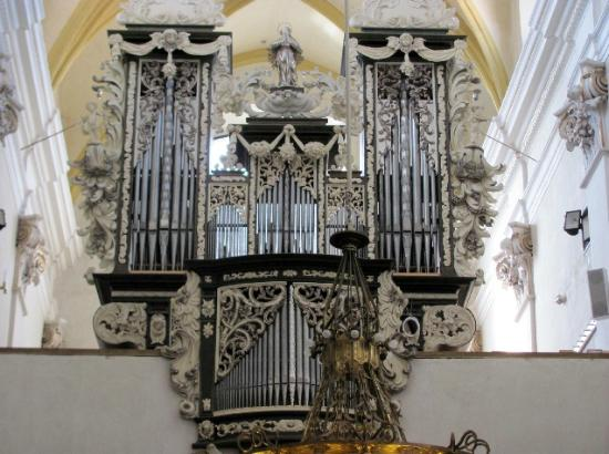 Presentation of Virgin Mary Church : organ