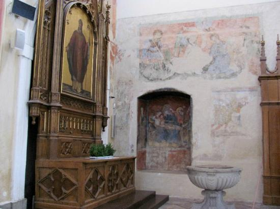 Presentation of Virgin Mary Church : frescoes