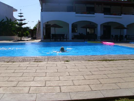 Vallian Village Hotel: Vallian hotel pool