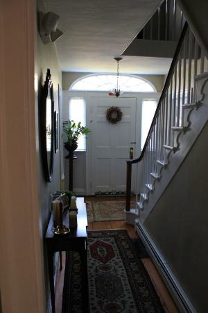 Candleberry Inn on Cape Cod: Foyer