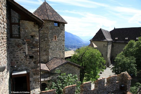Castle Tyrol - South Tyrolean Museum of History : Castel Tirolo