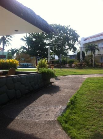 Alona Palm Beach Resort and Restaurant: pool area