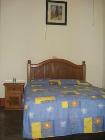 The Angels Inn Backpackers Peru: Habitacion N° 4 (privada matrimonial con baño compartido