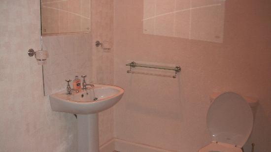 Hay Lodge: Self Catering bathroom
