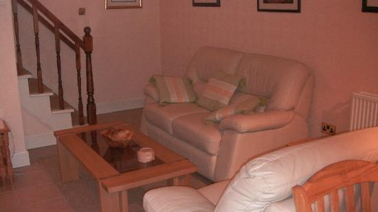 Hay Lodge: Self Catering lounge area