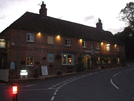 The White Lion Inn: The White Lion, Wherwell, nr Andover