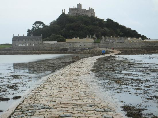 St Michael's Bed & Breakfast: St Michaels Mount at low tide
