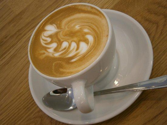 Castello Coffee Co.: Latte