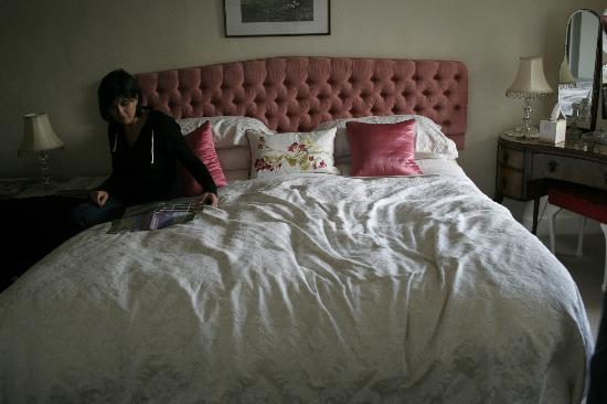 Redwick, UK: The big bed