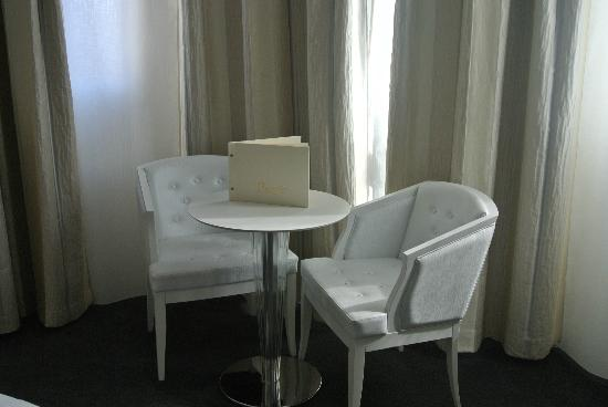 Hotel Renoir: Chambre double privilège