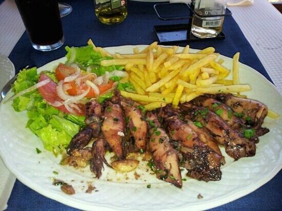 Tropico Beach Bar Restaurante: fresh calamare...YUM!