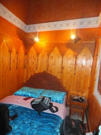Riad Hiba Meknes: Our lovely bedroom!