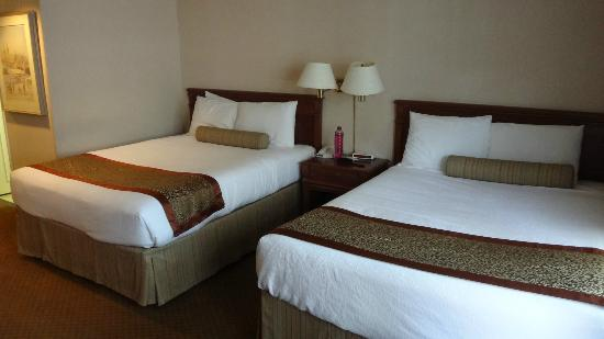 Capital Hill Hotel & Suites: camas