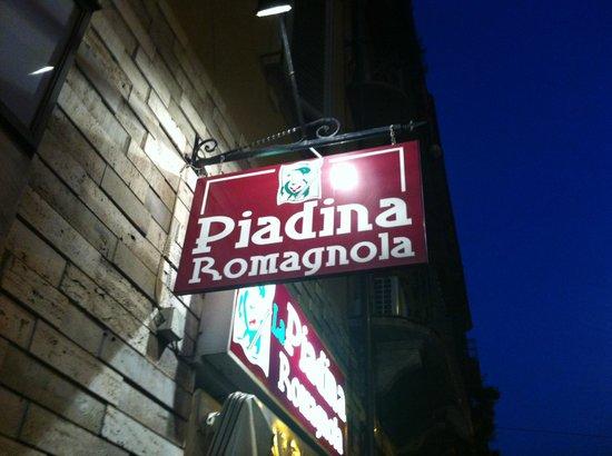 La Piadina Romagnola: PIADINERIA DI VIA MADAMA CRISTINA DAL 1999