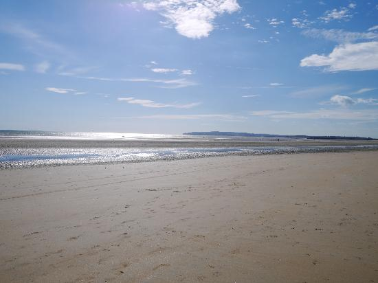 Camber Sands Holiday Park - Park Resorts: Beach was 1 min from the park entrance.