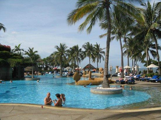 Hilton Hua Hin Resort & Spa: udsigt over pool området