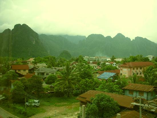 Savanh VangVieng Hotel: View from the bedroom window