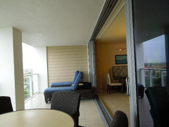 Marriott's Crystal Shores: balcony, with amazing chairs!!
