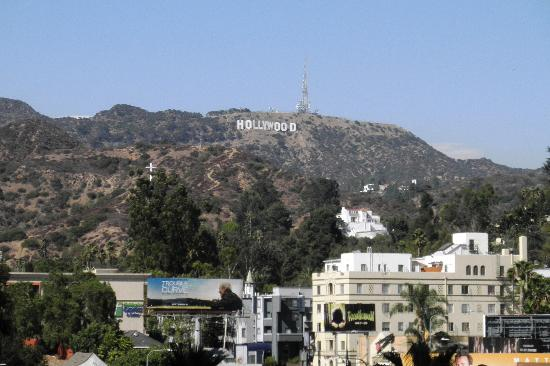 Hollywood Celebrity Hotel: Vista do shopping ao lado do hotel