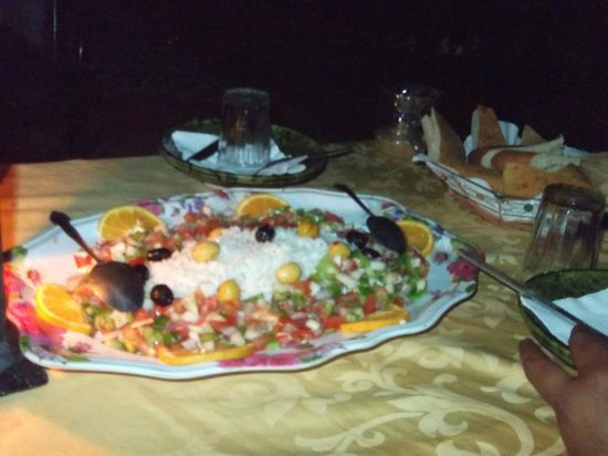 Hotel Ksar Merzouga: Salad served during dinner at camp