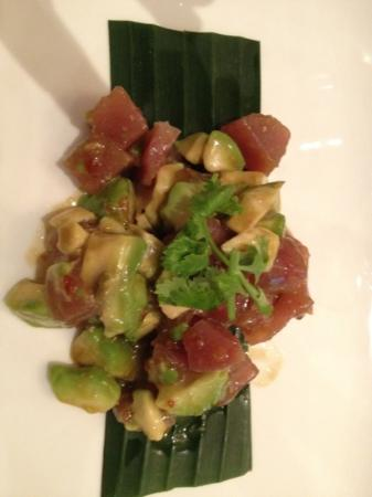 Bangkok: Roher Thunfisch mit Avocadoj