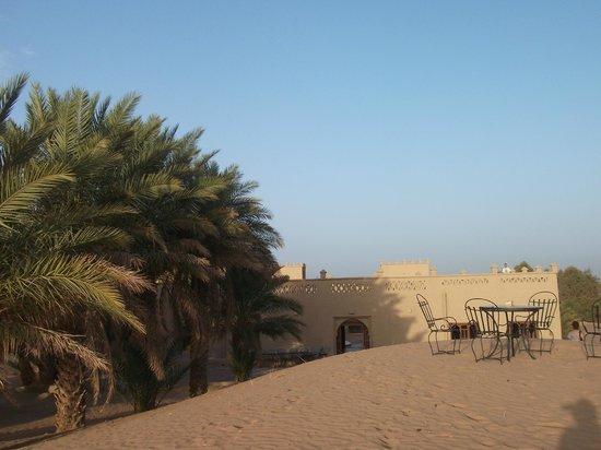 Hotel Ksar Merzouga: Desert area