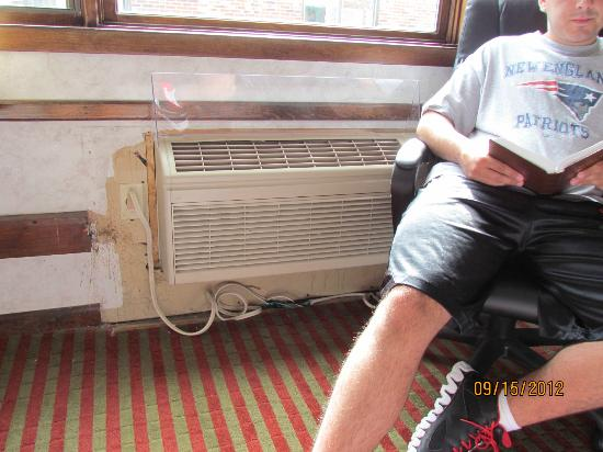 Hilltop Inn: New ac unit, incomplete install?