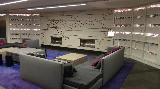 Hyatt Regency Montreal: lobby