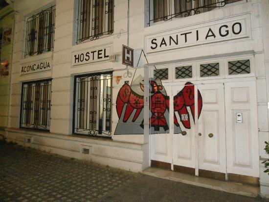 Atacama Low Cost: Entrada do hostel