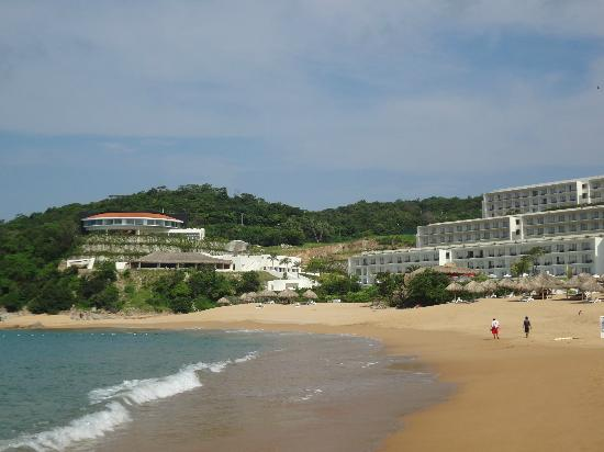 Secrets Huatulco Resort & Spa: View from the beach