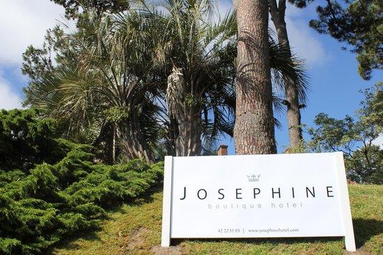 Entrada a Josephine Boutique Hotel