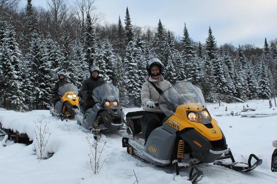 Laurel Aventure Nature Day Trips: Parcourir la nature sauvage à motoneige