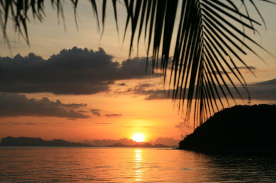The Passage Samui Villas & Resort: View from the pool, drink in hand at sunset