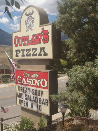 Outlaw's Pizza : Outlaw's