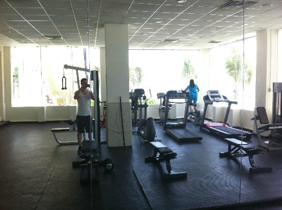 Grand Oasis Cancun - All Inclusive: Workout Room (Never too Busy)
