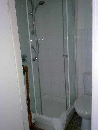 Phoenix Court: Shower