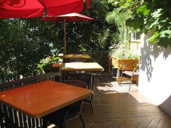 Chez Saint-Pierre: La terrasse du Saint-Pierre