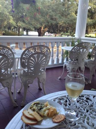 Forsyth Park Inn: appatizers and wine spritzer on the front porch.