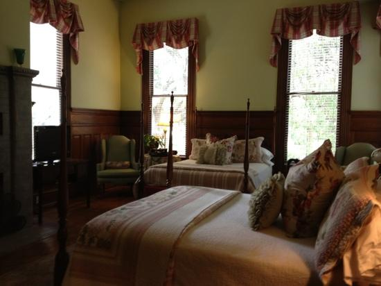 Forsyth Park Inn: Room 3. Loved it.