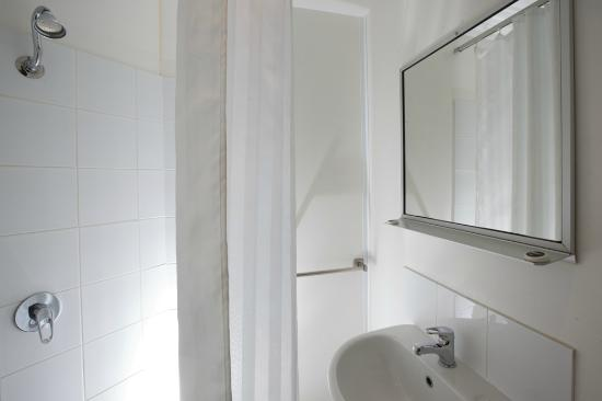 Ensuite Bathroom Facilities laundry facilities - picture of ibis budget sydney east, sydney