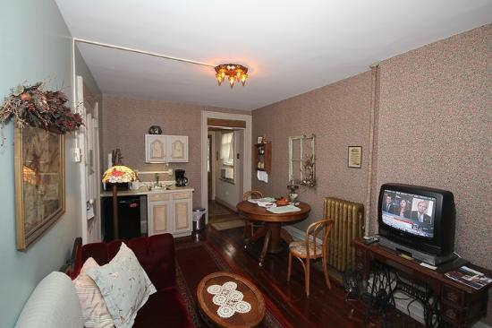 "Suites On Broadway: Sitting Room and Kitchen of ""Broadway"" Suite"