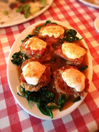 Danny's Fettuccine Bar: Veal Sorrentino special