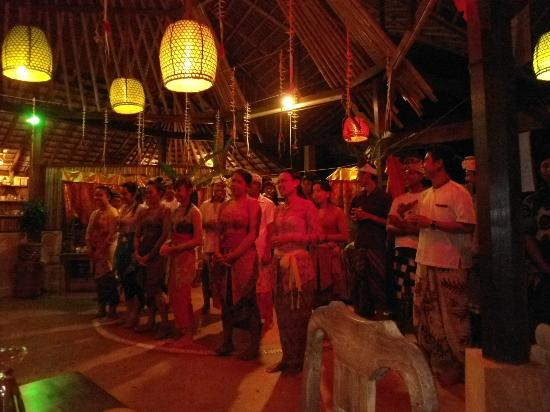 Swasti Eco Cottages: Balinese party