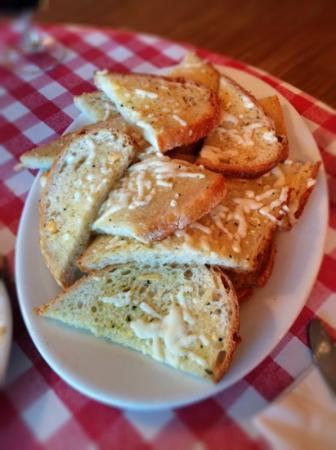 Danny's Fettuccine Bar: Garlic Bread