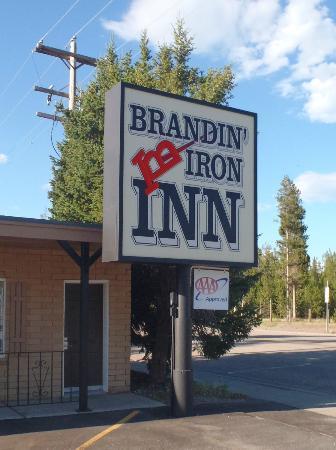 براندين آيرون إن: Brandin Iron Inn
