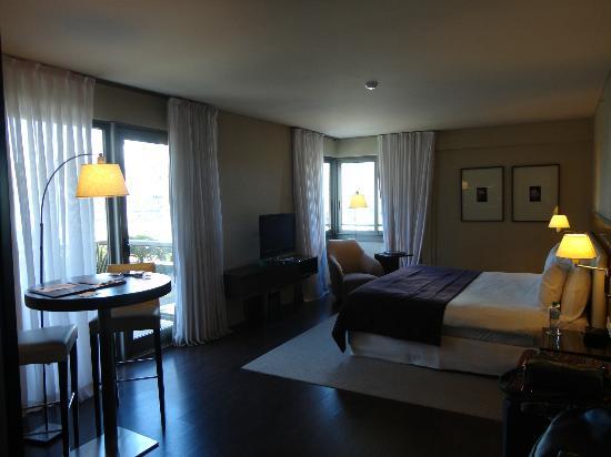 """Hotel Madero: Quarto """"Corner"""" - do canto"""