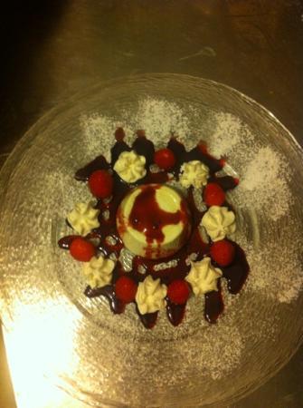 Al Vaticano : panna cotta alle fragole