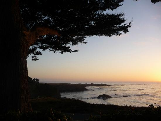 Agate Cove Inn Hotel: Beautiful sunset!